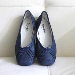 NWOT Repetto Blue Suede Theatre Ballerinas